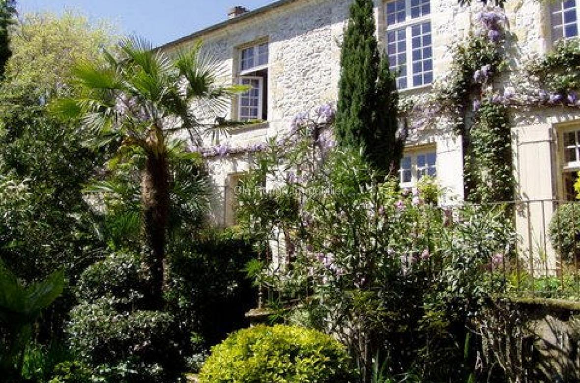 A Prestigeous Walled Property Located In The Heart Of A Bastide Town